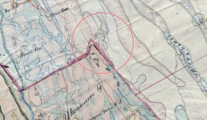 Kangasniemen eteläisempi Kyöpelinvuori on piirretty 1840-luvun pitäjänkarttaan erikseen nimeämättömänä mäkenä. Se sijoittuu Reinikkalan ja Ukonniemen kylien välisen rajan tuntumaan. On mahdollista, että mäeltä tai sen läheisyydestä löytyisi vanha rajamerkki. (KA 3213 08 Ia).