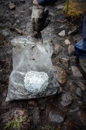 Maanäytteistä tehtävillä kasvimakrofossiilitutkimuksilla voidaan saada lisätietoa paikalla valmistetuista aterioista.